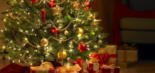 chrismas tree with gifts ppt backgrounds